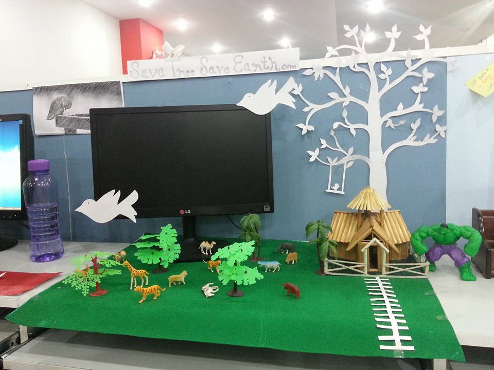 Save Trees won workstation decoration competiton